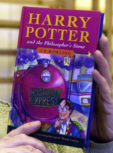 """Knyga """"Haris Poteris ir Išminties akmuo"""""""