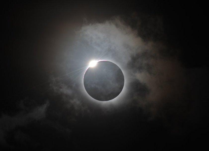 Tūkstančius australų ir turistų sutraukė retas reiškinys – visiškas saulės užtemimas.