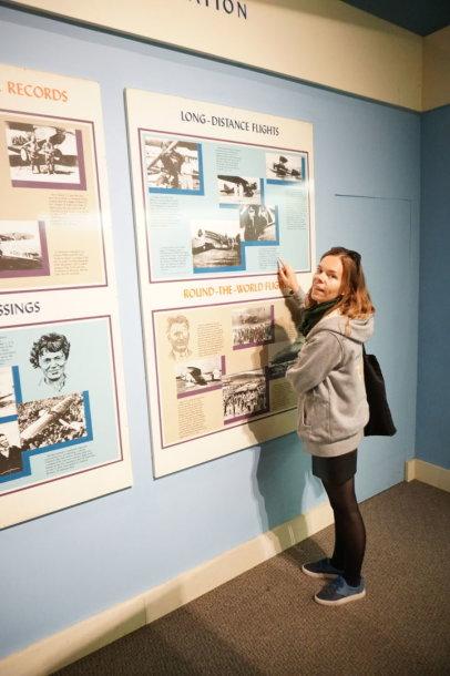 Aistė Žemaitienė džiaugiasi Vašingtono aviacijos muziejuje atradusi Stepono Dariaus ir Stasio Girėno nuotrauką