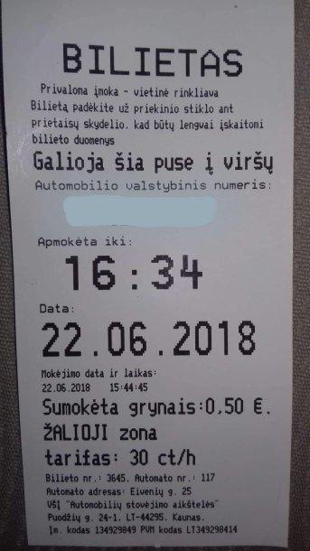 Kvite už automobilio parkavimą Kaune įsivėlė klaida