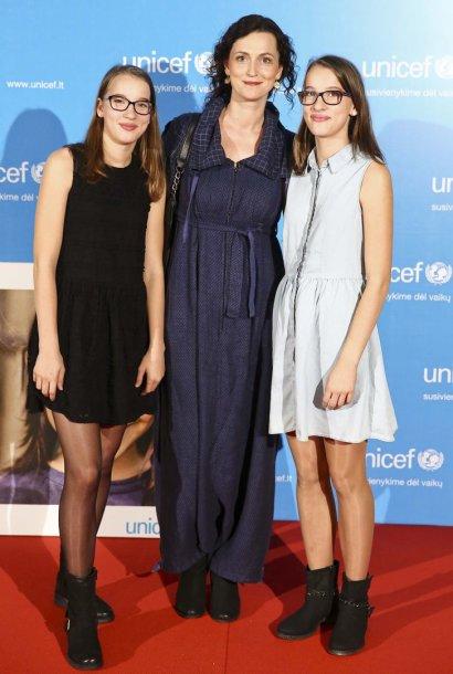 Kristina Savickytė-Damanskienė su dukromis