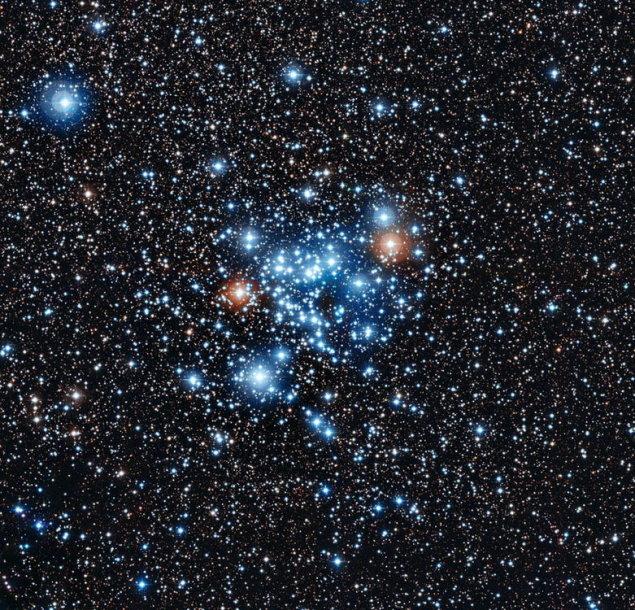 """Kentauro žvaigždyne esančiame žvaigždių spiečiuje """"NGC 3766"""" astronomai atrado naujo tipo kintančių žvaigždių grupę."""
